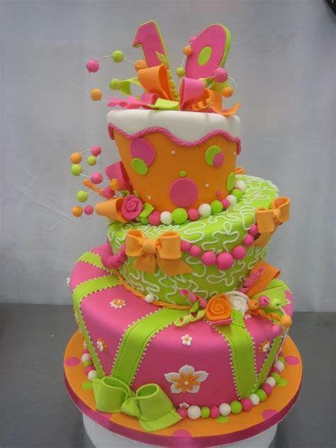 Cake Decorating Ideas: Types of Wedding Cakes   herohymab