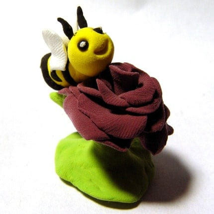 Rose Bee pic