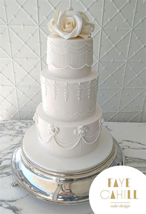 Royal Icing Tutorial   Faye Cahill Cake Design