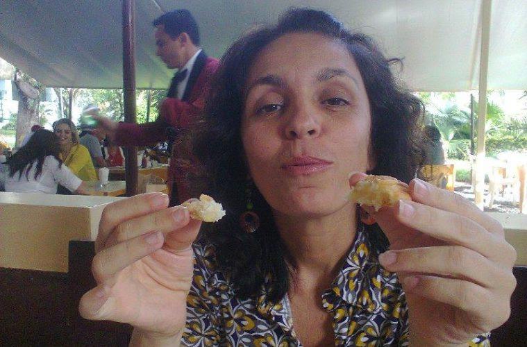 Cynara Menezes comendo