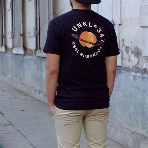merek clothing distro lokal indonesia  koleksinya