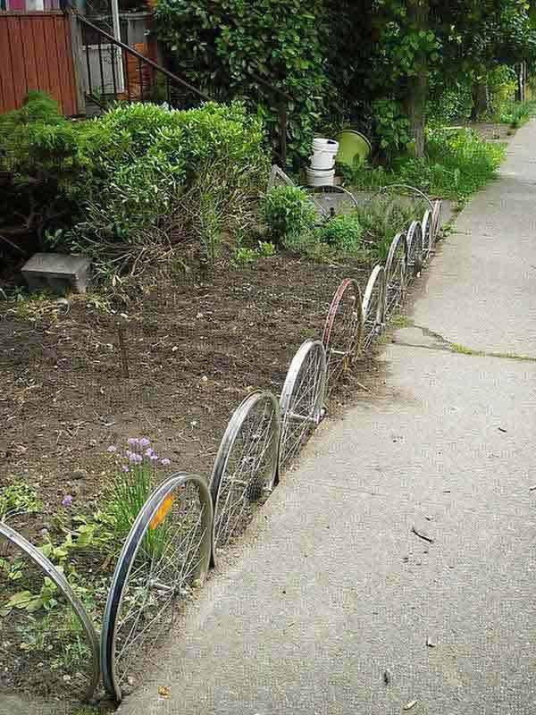Garden-Bed-Edging-Ideas-AD-24