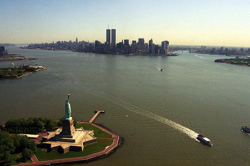 Dosya:Manhattan from helicopter.jpg