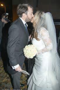 David Mitchell marries girlfriend Victoria Coren in a