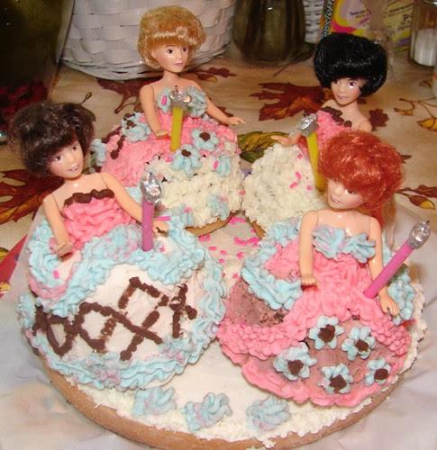 Mini Dolls Cake