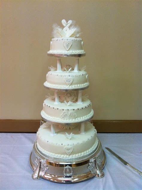 Traditional wedding cakes   massvn.com