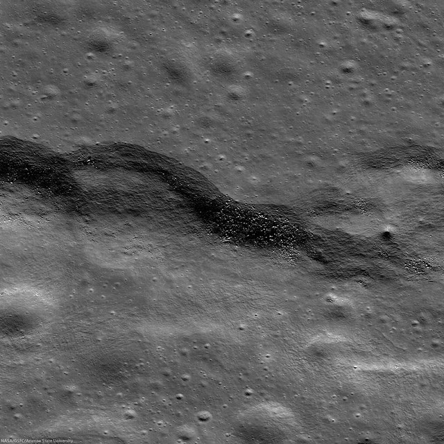 Wrinkle Ridge, Eastern Mare Frigoris