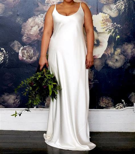 18 Beautiful Off the Rack Wedding Dresses   WhoWhatWear