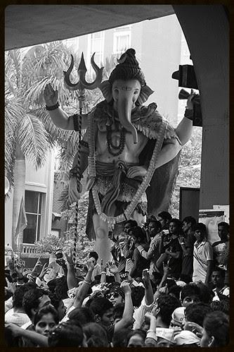 Jai Gajanan Jai Jai Ganesh - by firoze shakir photographerno1