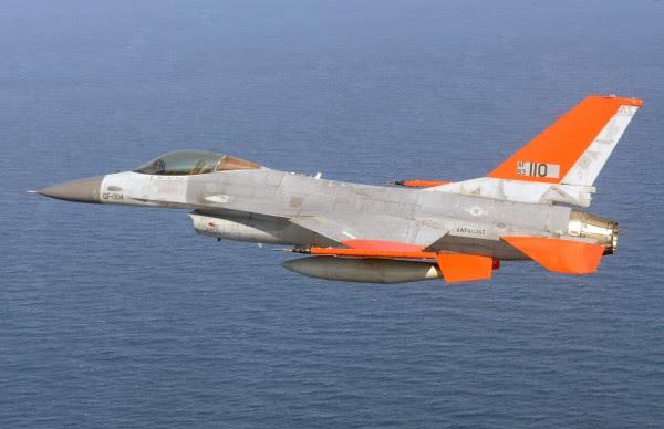 Boeing CF-16 (Foto: Boeing)