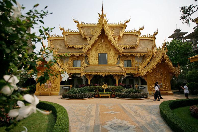 Ват Ронг Кхун (Белый храм), Таиланд. Фото