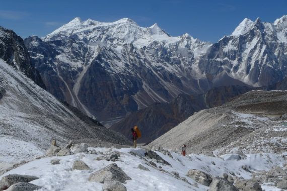 Trekking The Indian Himalaya To Kuari Pass With Best Hike