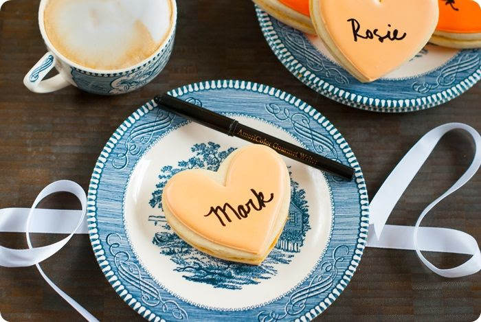 thankful (cookie) hearts ::: interactive cookies for thanksgiving dessert, easy and quick to make! from @bakeat350