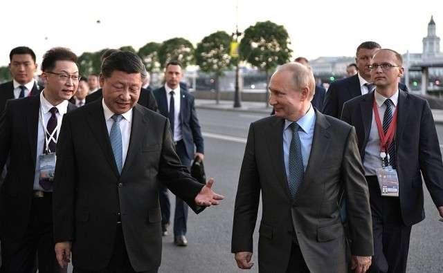 Укрепление российско-китайских отношений на Петербургском экономическом форуме (ПЭФ)