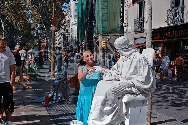 Marble Living Statue With Lady In Las Ramblas, Barcelona [enlarge]