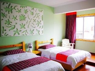 Reviews Spring Flowers Blossoming Hotel