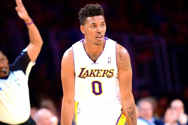 Nick Young Injury: Updates on Lakers Guard's Thumb and Return