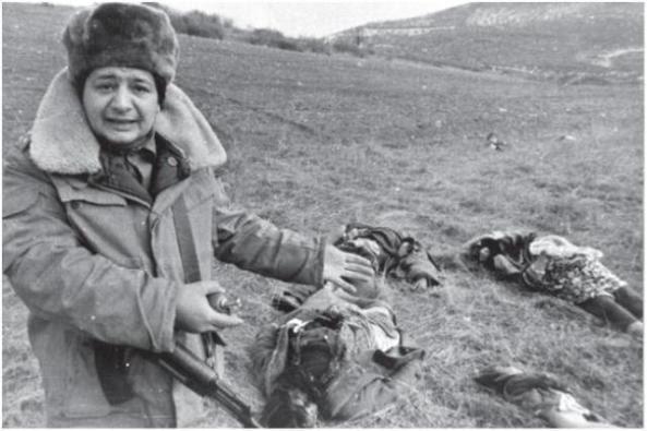 25 - ից փետրվարի 26, 1992 թ. Հայկական զինված ուժերը Խոջալուի Լեռնային Ղարաբաղում հայերի անօրինական զինված խմբավորումների իրականացրել է ցեղասպանություն ընդդեմ ադրբեջանական ժողովրդին.
