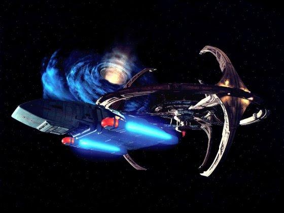 Naves extraterrestres poderiam estar usando buracos de minhoca para atravessarem a galáxia