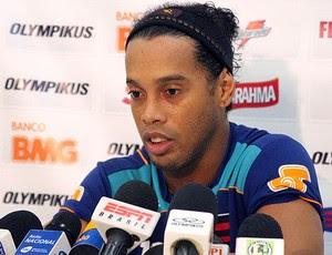 Ronaldinho Gaúcho durante entrevista (Foto: Maurício Val / VIPCOMM)