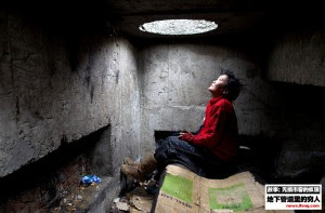 mongolians-living-underground-09