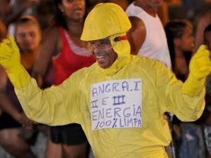 Série 'Breaking bad' já teve versão brasileira no carnaval de Santa Cruz (Foto: Paulo Mumia / Riotur)