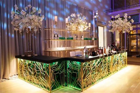 Picture Of creative wedding drinks bar design ideas 20