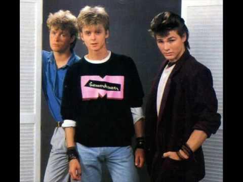 А-ХА | a-ha Take On Me 1984 version - YouTube