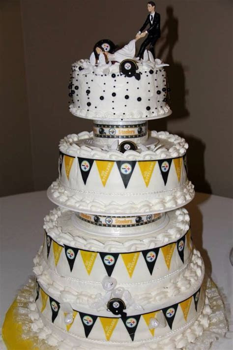 Steelers wedding cake   My Pittsburgh Steelers wedding