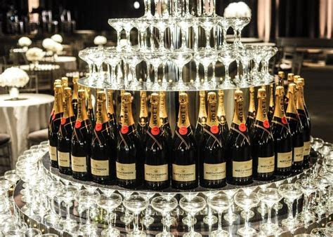 25  best ideas about Champagne fountain on Pinterest