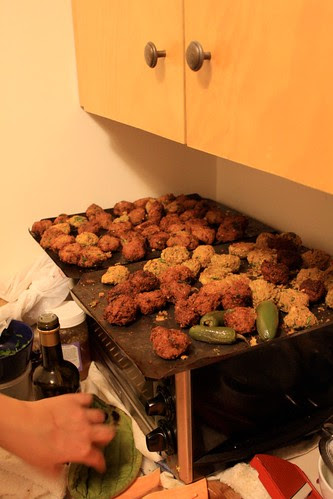 Falafels post fryer.