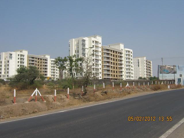 Konark Exotica - Visit Sukhwani Scarlet - 1 BHK, 1.5 BHK, 2 BHK & 3 BHK Flats - near Aurvedic College, on Kesnand Road, Wagholi, Pune 412 207 - 9