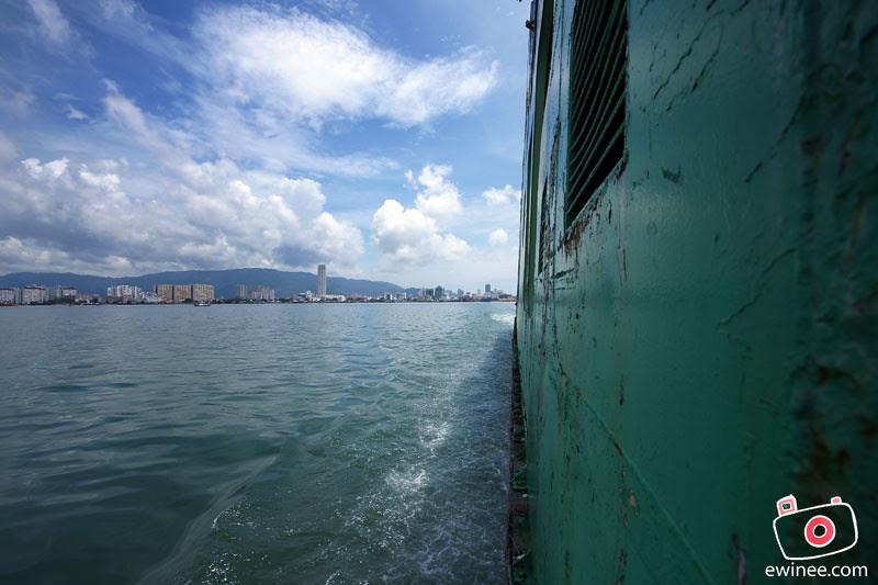PENANG-FERRY-ISLAND-ferry