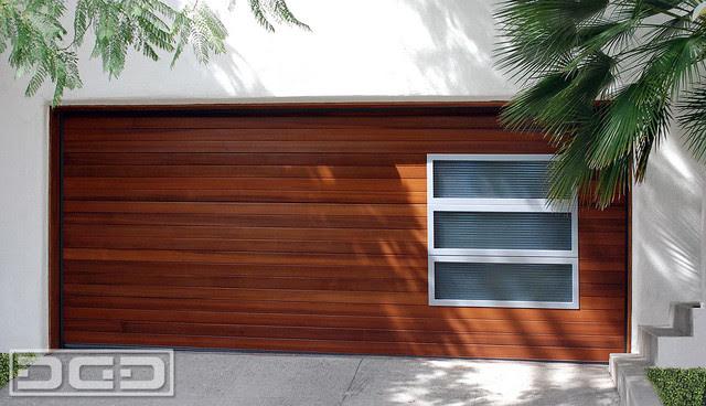 Modern Garage Door in a Horizontal Wood Slat Design w/ Accent Side ...