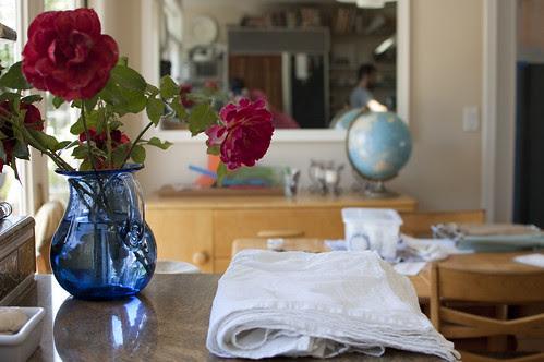 roses, napkins