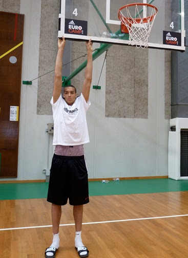 Rudy Gobert Measuremets: 7'2 and record breaking 7'9 ...
