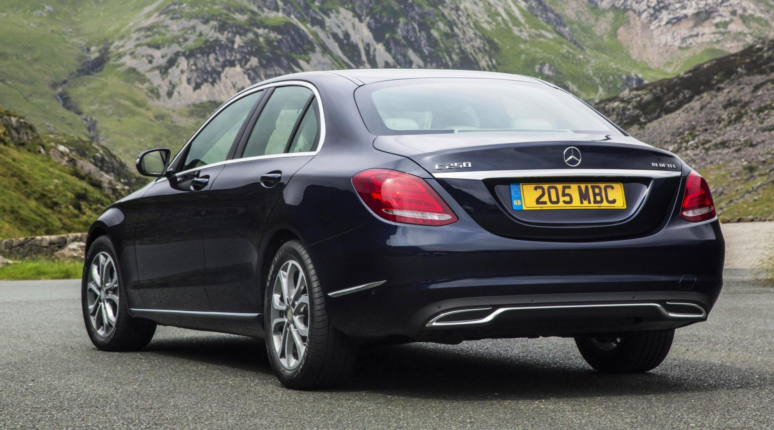 2015 Mercedes-Benz C-Class in 40 New Photos - C300 and ...