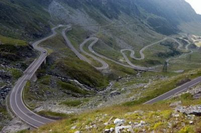 FOTO FABULOS! 15 drumuri pe care trebuie sa mergi inainte sa mori! Transfagarasan, numarul 1 in LUME! Ce constructii de VIS a invins: