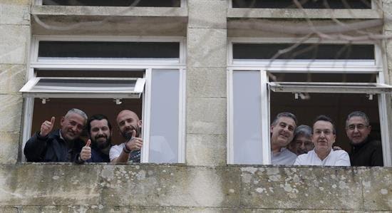 Representantes dos sindicatos de xustiza de Galicia, encerrados en sinal de protesta o pasado mércores na sede do Goberno galego en Santiago de Compostela.