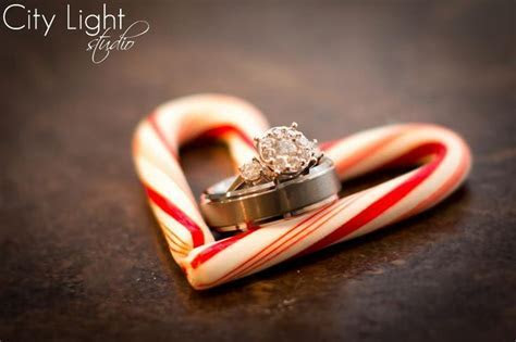 1000  ideas about Christmas Engagement Photos on Pinterest