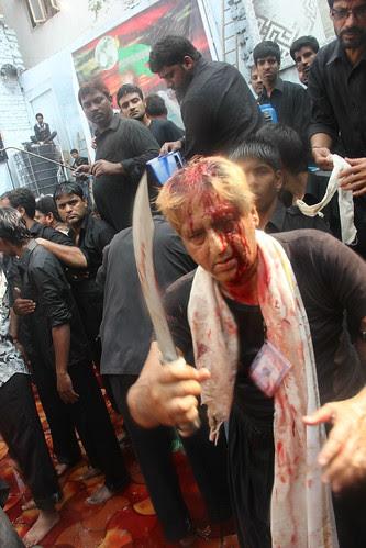 hai qayamat ka saman loot hai har simt machi koi pursa nahi haalat ajab bachon ki by firoze shakir photographerno1