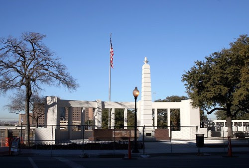dealey plaza north side peristyle and obelisk