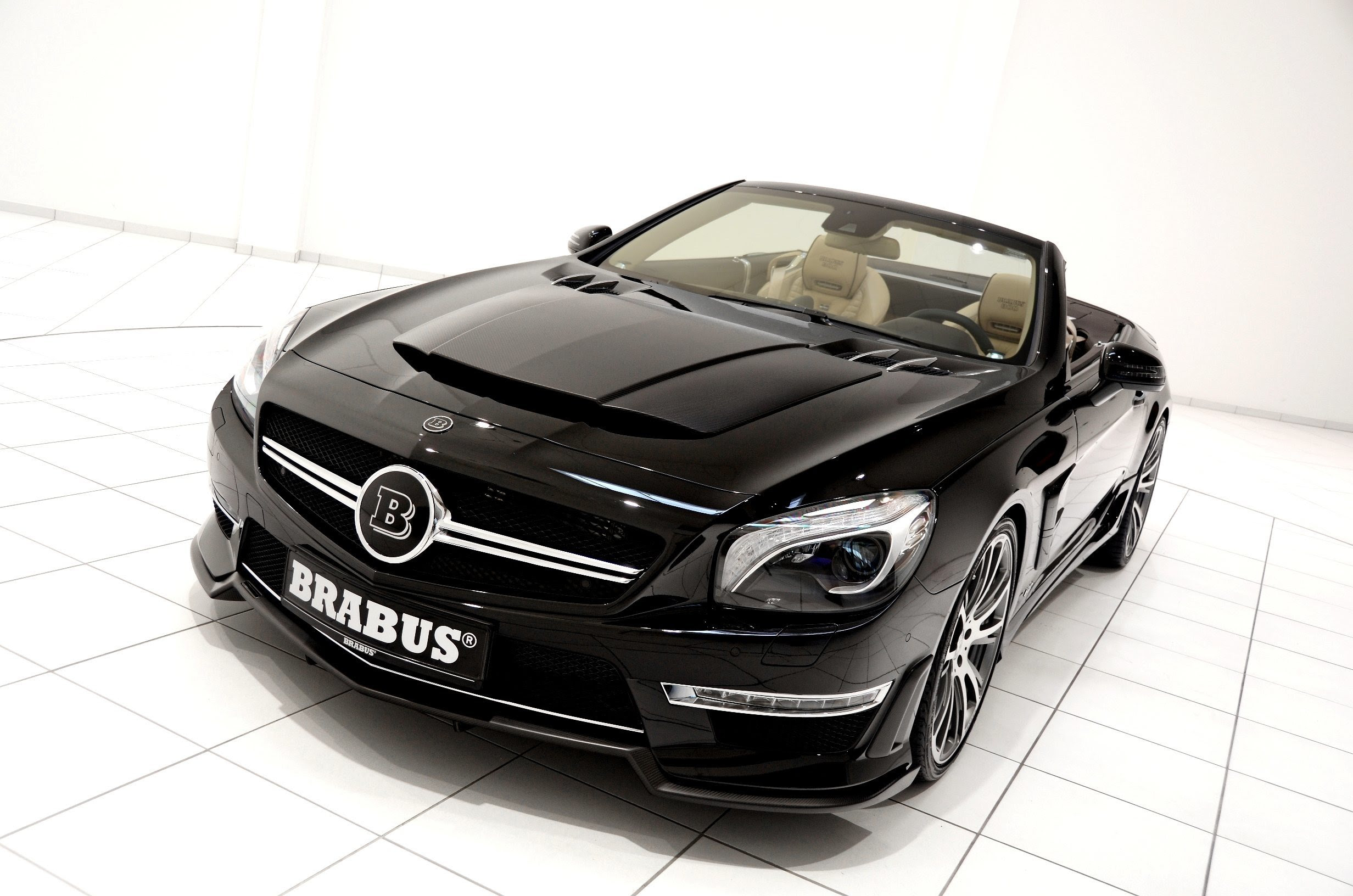 BRABUS 800 V12 Roadster for the MercedesBenz SL Is a Savage On Throttle, But A Cosy Lover When