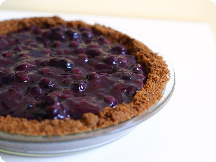 Desserts for Dudes: blueberry cheesecake pie ::: bake at 350 blog
