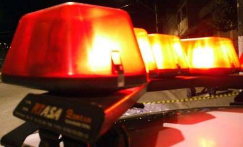 Dois homens são mortos a tiros; um deles conseguiu atropelar atirador antes de morrer