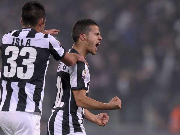 Giovinco fez golaço de falta e ajudou Juventus a superar o Milan em casa Foto: AP