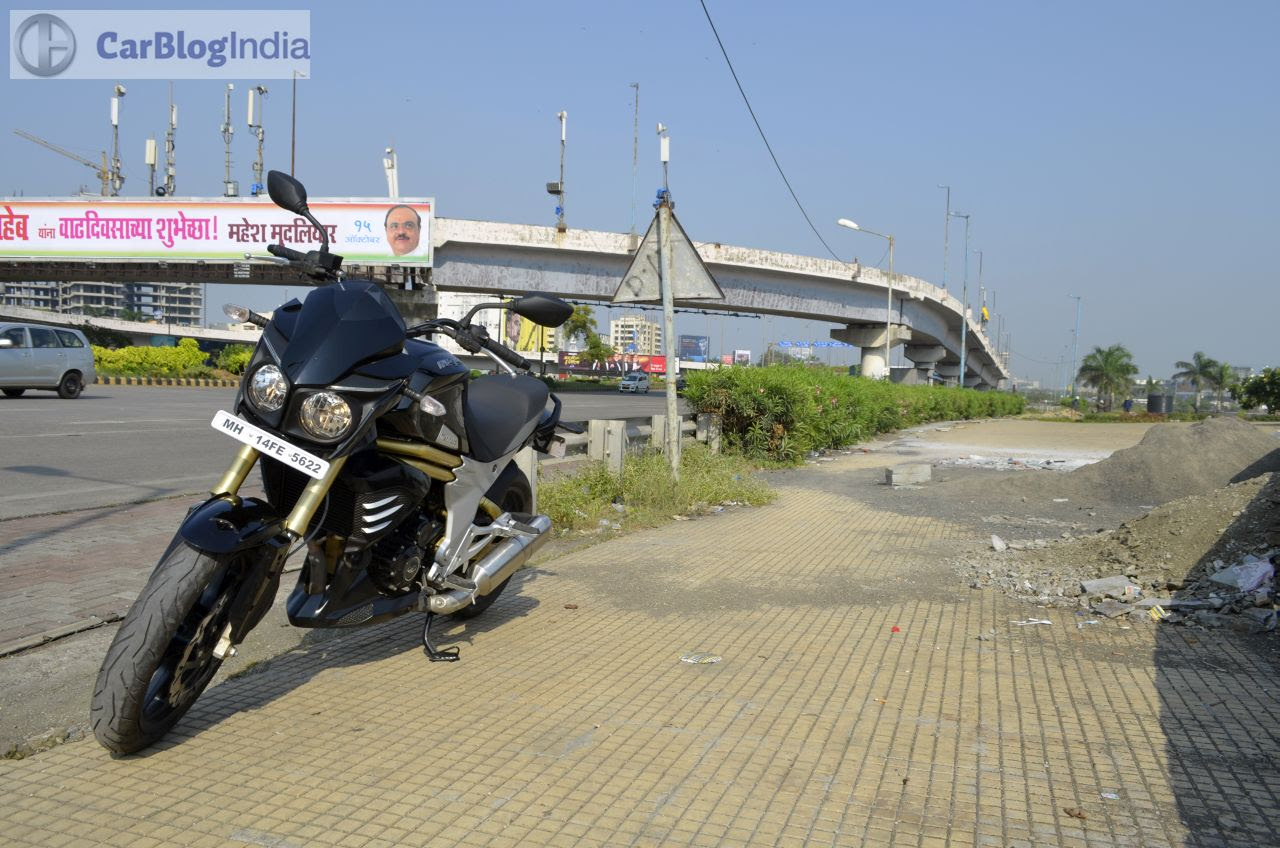 Mahindra Mojo 300 Review Price Top Speed Specifications