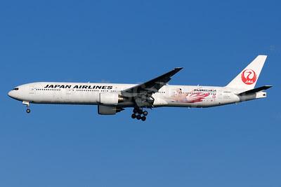 JAL-Japan Airlines Boeing 777-346 JA8942 (msn 28394) (Sochi 2014 Winter Olympics - Go! Japan! - Mao Asada) HND (Akira Uekawa). Image: 921860.