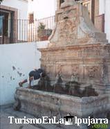 Fuente de la Plaza Mayor de Las Alpujarras (Año 1684)