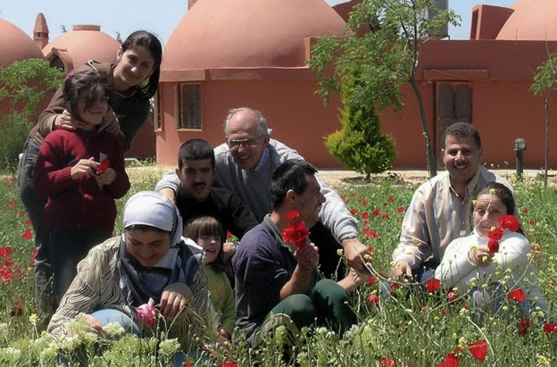 Frans van der Lugt and helpers at Al Ard
